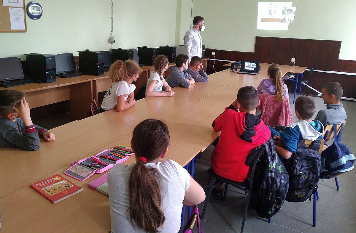 Стручњак АМС РС одржао интернет предавања за ученике више основних школа из Српске