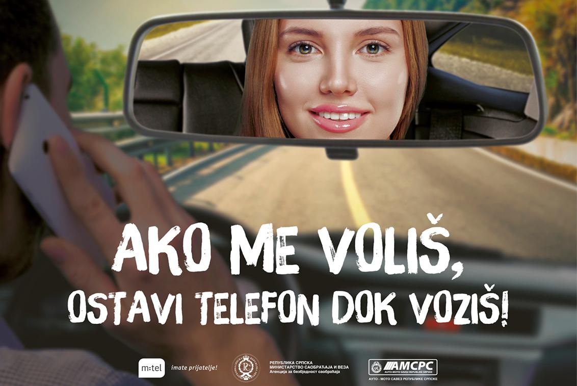 """Kampanja """"Ako me voliš – ostavi telefon dok voziš"""" počela u Doboju podjelom magneta za vozila"""